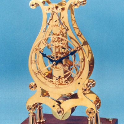 how-to-lyre-skeleton-clock